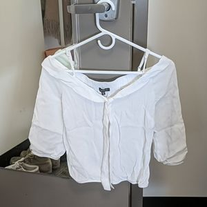 Dynamic white blouse